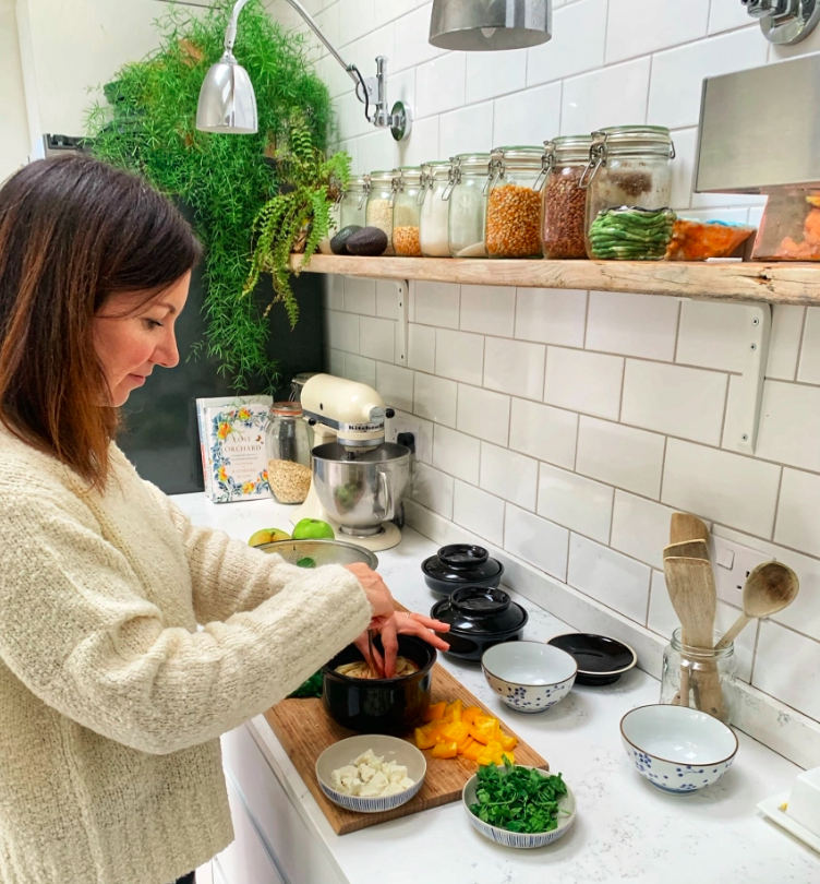 Emily cooking a nutritious meal in her Hokan Bowls (image credit: Emily Wheeler).